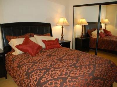 North Hollywood condo rental - Second bedroom with Queen bed