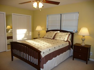 Queen Bed in 2nd Bedroom - Upstairs