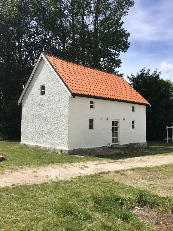 Family friendly house close to the swimming area and nature. 20 minutes to Visby