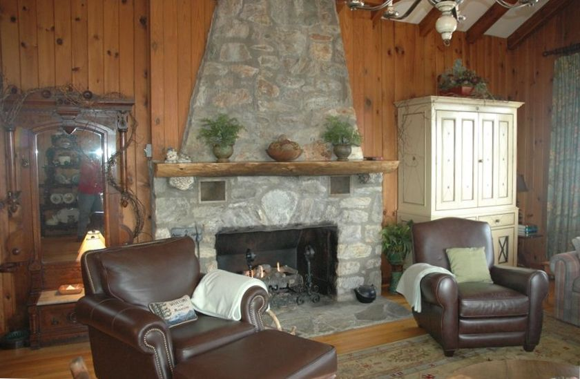Charming rustic vintage blowing rock cabin on vrbo for 8 bedroom cabins in north carolina