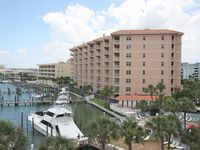 Marina View Penthouse with boat slip, free Wi-Fi, cable, DVD, W/D, pool - 801 Harborview Grande
