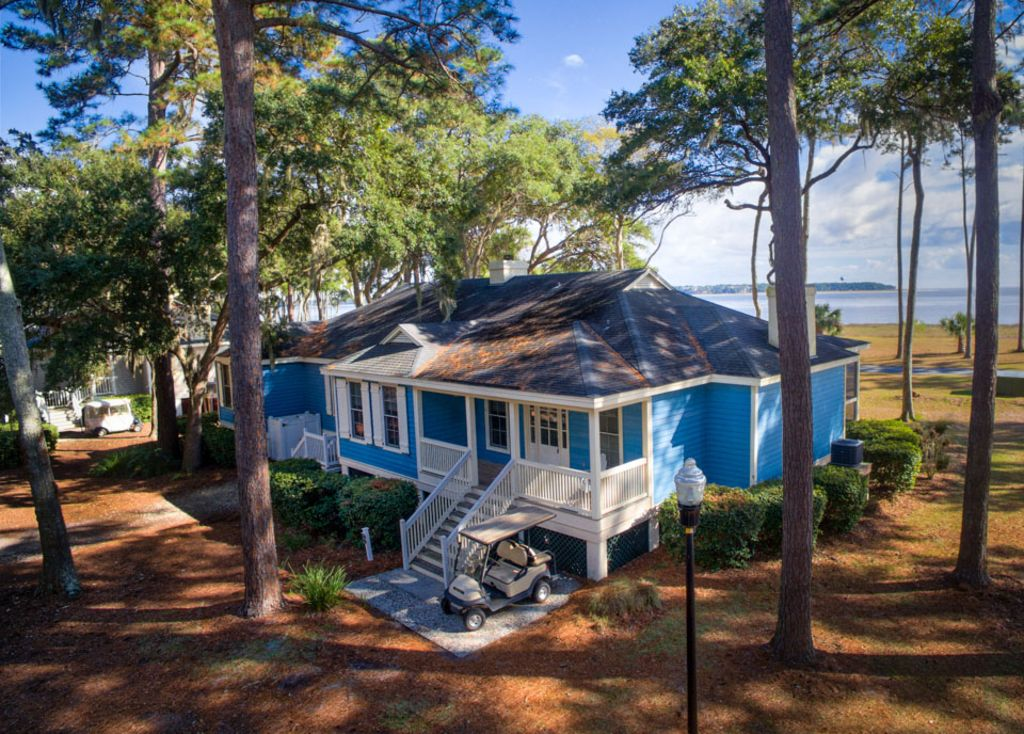Ocean front 39 blue fuskie 39 cottage free homeaway for Beach front cottage