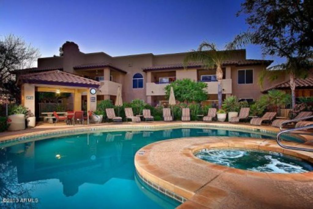 Ground floor luxury 3 bedroom condominium vrbo for Az cabin rentals with hot tub