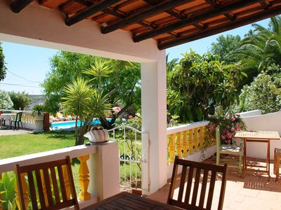 Lovely rustic cottages with pool in Lagos, sleeps 4, 10 min from beach and town - Yellow Cottage Victor