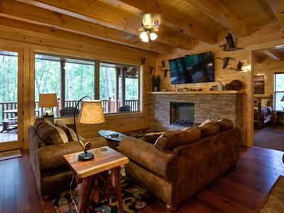 Cliffview Lakeside - 12 BR Lodge at Cliffview Resort - Brand New!