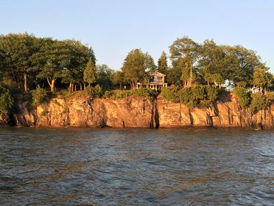 Lake Champlain Great Camp - Rustic Luxury, Sunsets, Lawn, Beach, Amenities!