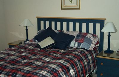 Guest bedroom with a Double bed