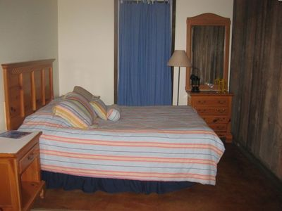 Guest House Queen Bed
