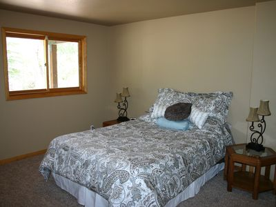 Ouray house rental - Down bedroom with queen, accross hall from jack and jill bath