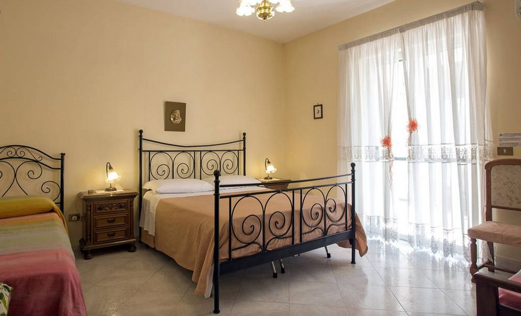 2 Bedrooms Apartment Near Pompeii Wifi Parking 3752528