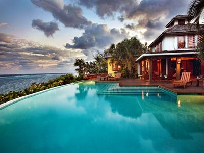 Fuego del Mar; beautiful luxury villa overlooking the sea. Style and service