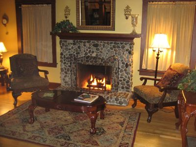 Portland house rental - Living room with cozy gas fireplace