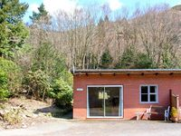 TROUT COTTAGE, country holiday cottage in Llanwrthwl, Ref 22184