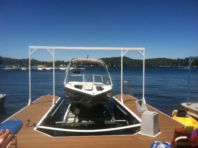Private Single Slip dock with over sized pier! Tables, chairs, BBQ, and kayaks