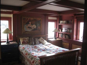 Ground Floor Bedroom with view of Mt Snow