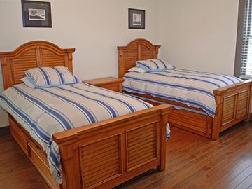 3rd Bedroom - 4 Singles (two trundle beds)