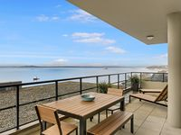 Luxury Living And Exceptional Views On The Top Floor! - Sea To Sky Rentals