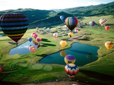 Try hot air ballooning in Snowmass!