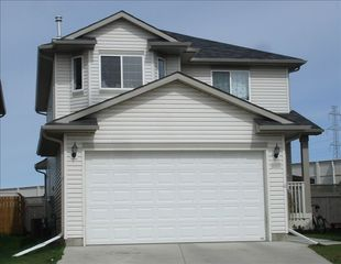 Calgary house photo - Calgary Vacation Home View from the front. Quiet cul-de-sac with 3000 sf
