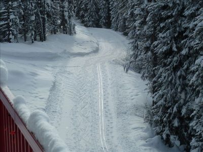 The trail is great for all, tracks of walkers, alpine skiers, nordic skiers etc.