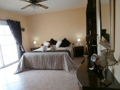 Las Galletas villa rental - First floor master with private terrace,wardrobes and en-suite bathroom