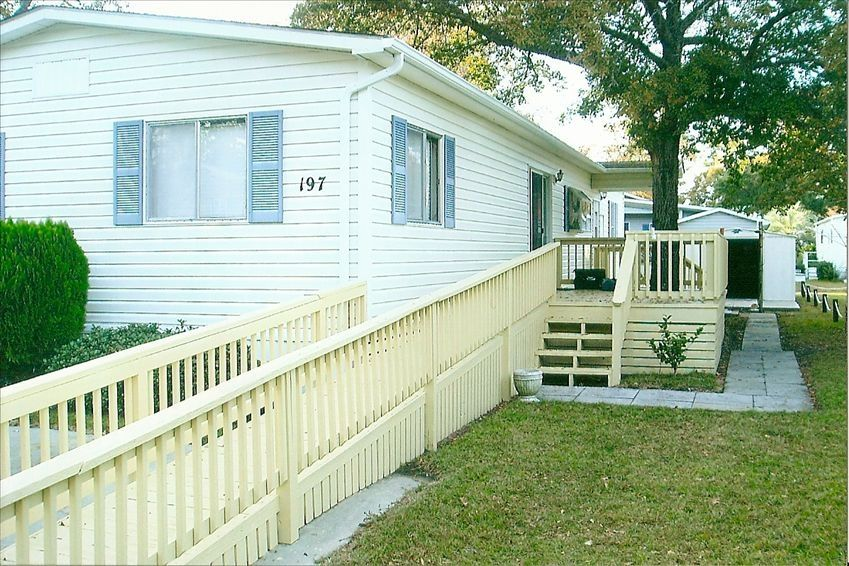 Large mobile home sleeps 6 8 wheelchair ramp vrbo for Ada modular homes