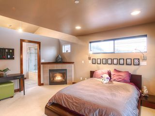 Seattle townhome photo - Master Suite with warm fires burning!