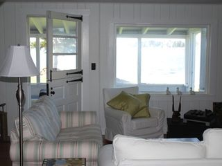 Clark Island cottage photo - Living room in the day