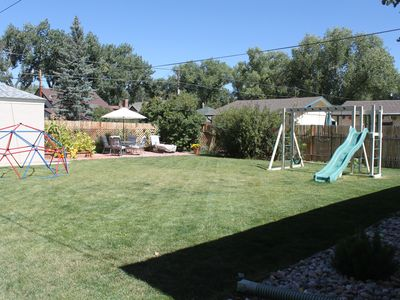 Family Friendly Comfortable Home With A Great Yard And Convenient Location
