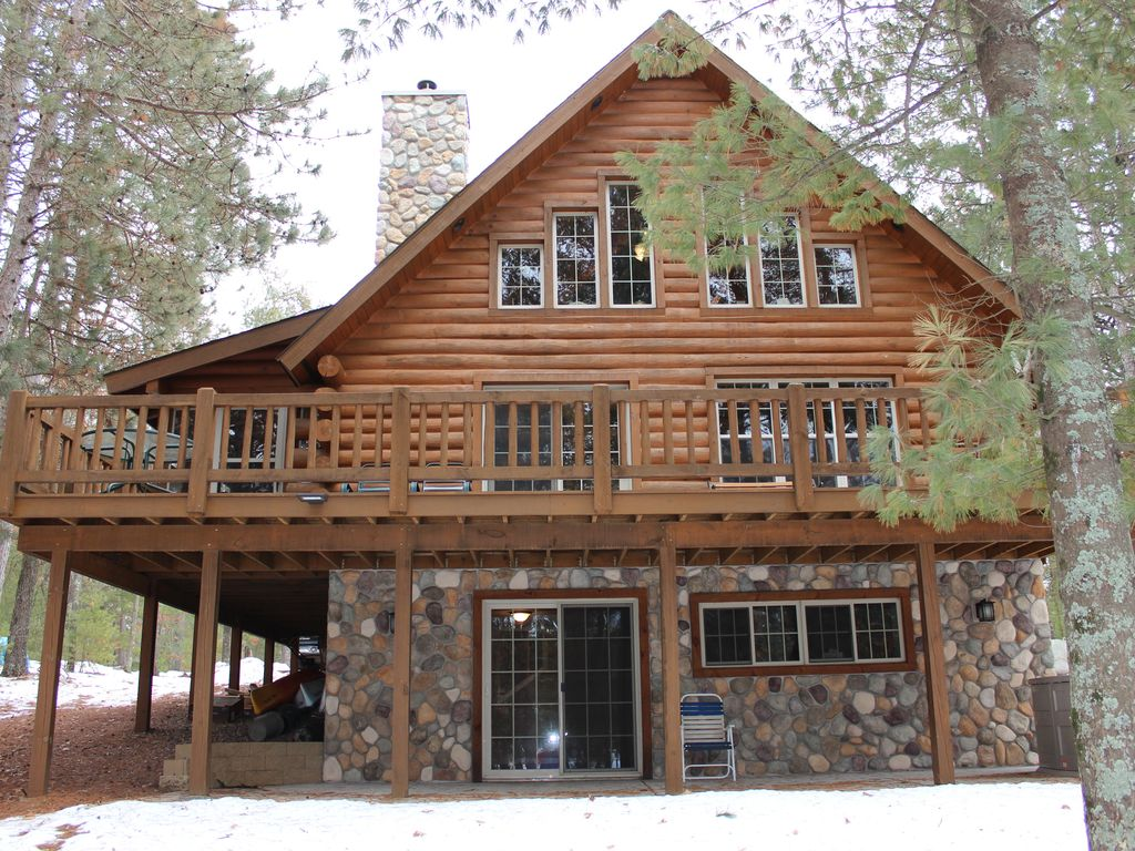 Wonderful image of Merrillan Holiday Cabin: Beautiful log home on Lake Arbutus for with #694736 color and 1024x768 pixels