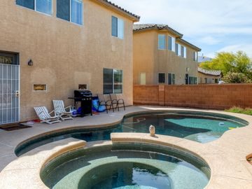 Las Vegas house rental - There's nothing better than lounging by your own private pool!