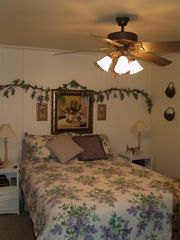 Luray chalet photo - 1st Fl Bedroom w\queen size bed