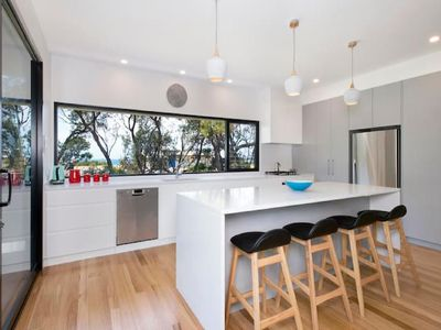 Photo for 4BR Villa Vacation Rental in Shoalhaven Heads