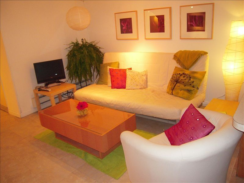 Charming And Spacious 2 Bedroom Basement Suite 2 BR Vacation Apartment For R