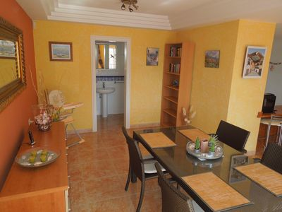 Costa Adeje house rental - Dining room with guest toilet on the ground floor