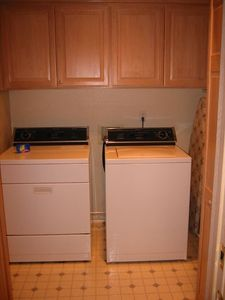 Full-sized Washer & Dryer in Large Laundry