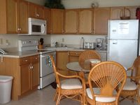 Paradise On Earth Gulf Front Condo- Pet Friendly- Beach Front- Internet
