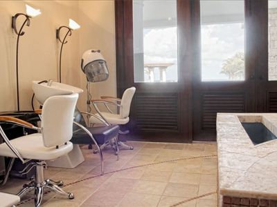 Villa Castillo Del Mar salon and spa Manicure/ pedicure Hair station