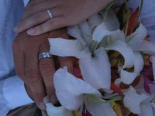 Key West yacht photo - Stress free weddings, bouquet, bouteniere, cake and food array included.