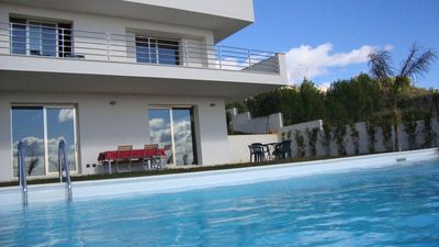 Apartment in villa with swimming pool in Noto