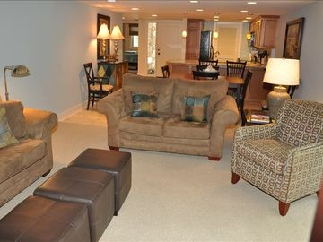Bright, Spacious Living area for YOUR vacation at Plantation Club #534
