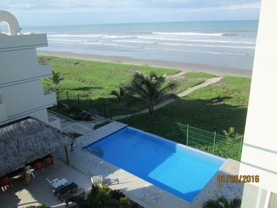 Oceanfront with Pool Getaway, 3.5km S. of Canoa. Great reduced wkly/mnthly rate