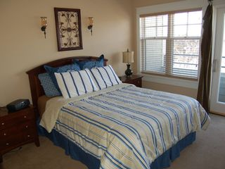 Grand Haven condo photo - Beautiful master bedroom w private deck