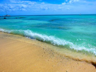 Waves of aruba