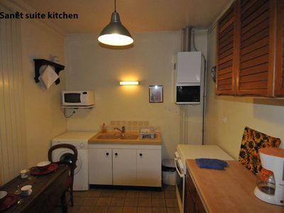 Sanet Suite kitchen.