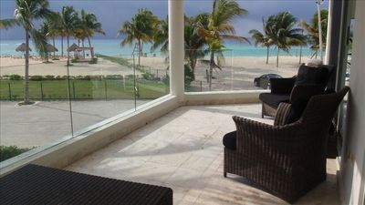 Breathtaking view over the Caribbean Sea from Sandcastle's spacious terrace