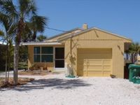 Beautiful 2 BR/2 BA House Directly on the Gulf