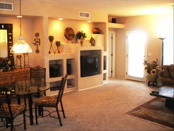 Oro Valley condo rental - Living room area