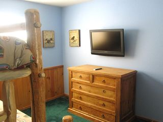 Bear Mountain cabin photo - Bunk Bed Room with Flat Screen TV and Bult in DVD.