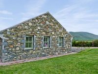 STANDING STONES COTTAGE, family friendly in Kirksanton, Ref 8041